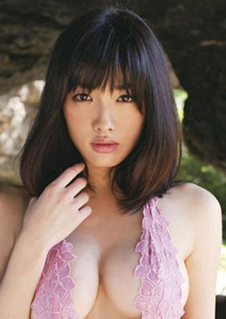 今野杏南ぽってりした唇の巨乳美人.jpg